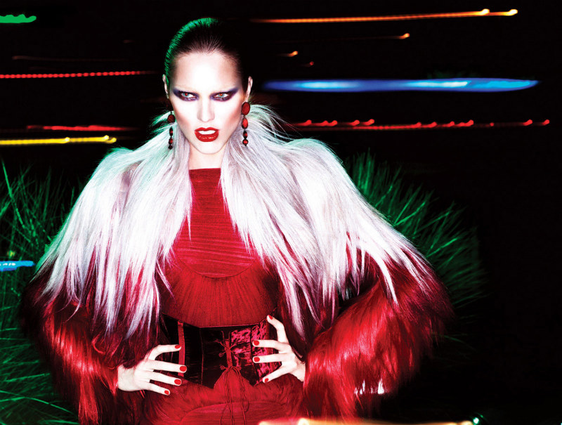 Candice Swanepoel is a vicious vixen in red for Tom Ford's autumn advertisements. / Photo by Mert &#038; Marcus