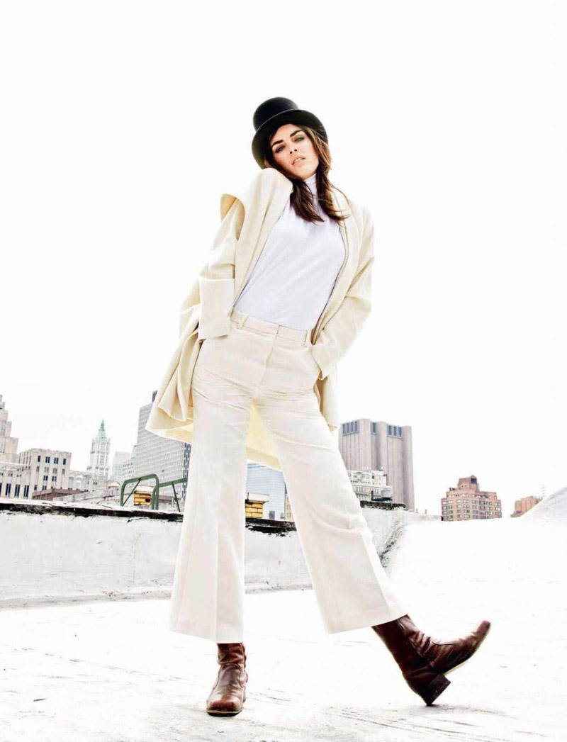 Hilary Rhoda wore a sixties inspired ensemble for Harper's Bazaar Russia January lensed by Alan Gelati