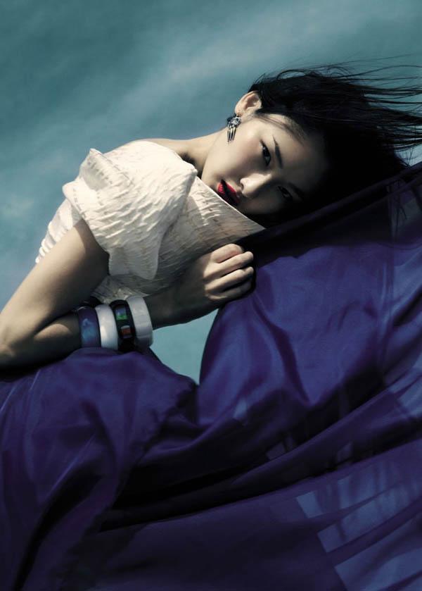 ellev7 Dinara Chetyrova by Jamie Nelson for <i>Elle Vietnam</i> July 2011