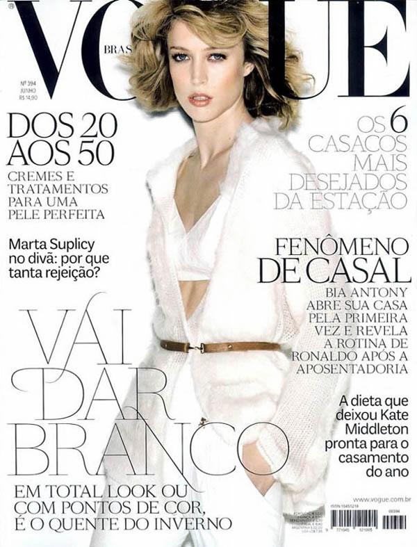 raquelcover <em>Vogue Brazil</em> June 2011 Cover | Raquel Zimmermann by Henrique Gendre